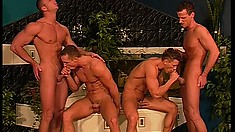 There's a four pack of dicks to be doinked in this gay four-way